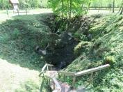Lietuva - kur govis pazūd pazemē...