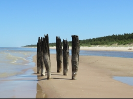 Pārgājiens gar Dižjūru – dziedošās smiltis un dzintars?v=1555859178